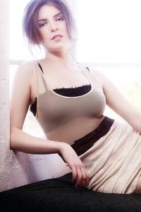 1125x2436 Anna Kendrick Flaunt Magazine