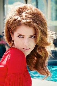 Anna Kendrick In Red Dress