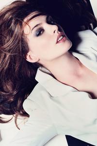 320x568 Anne Hathaway Elle Photoshoot 5k