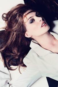 Anne Hathaway Elle Uk