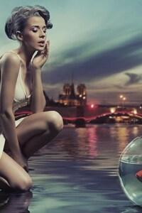 360x640 Aquarium Near Sea Shore Girl Creative Art