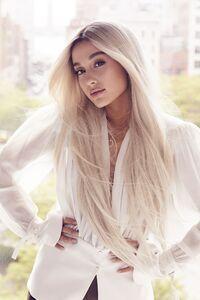 Ariana Grande Elle 2018 Cover