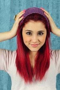 480x854 Ariana Grande Red Hairs