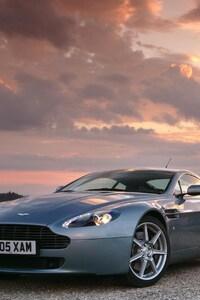 320x568 Aston Martin Vantage 2