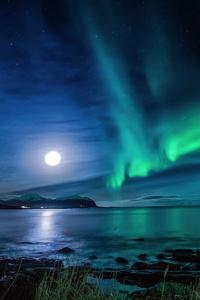 240x320 Aurora Borealis Moon Night