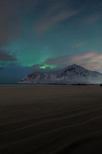 Aurora Borealis Mountains Sand Landscape 4k