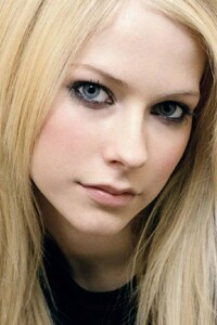 Avril Lavinge Beautiful