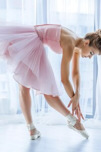 480x854 Ballerina Dancer