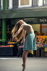 360x640 Ballerina Women Dancer In Market 4k
