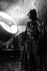 480x854 Batman Ben Affleck Alongside Bat Signal