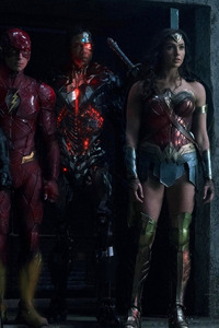 1280x2120 Batman Flash Cyborg And Woman Woman In Justice League