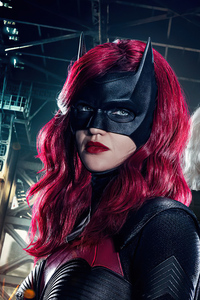 320x568 Batwoman New Poster