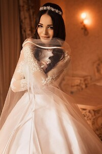 540x960 Beautiful Bride