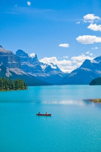 480x854 Beautiful Clear Blue Lake