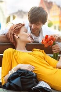 1125x2436 Beautiful Couple 2