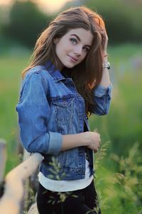 320x568 Beautiful Girl In Nature 4k