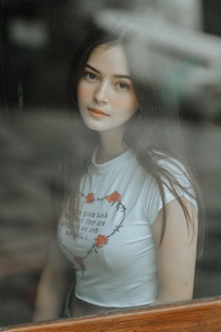 640x1136 Beautiful Girl Looking Through Window