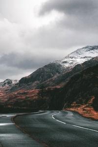 Beautiful Road Between Mountains 5k