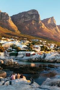 Beautiful Town Mountains Landscape Water Body 5k