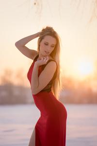 Beauty In Red Dress 5k