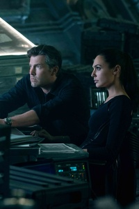 320x480 Ben Affleck And Gal Gadot In Justice League