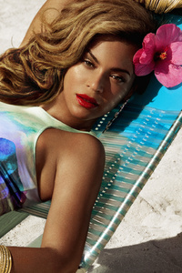 240x400 Beyonce In H And M Summer Collection 2019