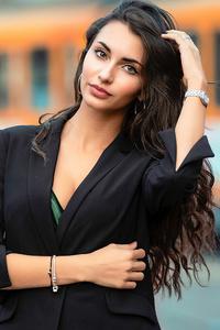 480x854 Black Hair Model Long Hair 4k