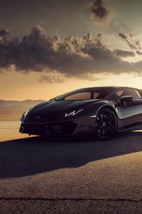 640x960 Black Lamborghini Huracan Photoshoot