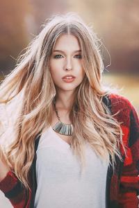 1080x1920 Blonde Girl Sunbeams Mood 4k