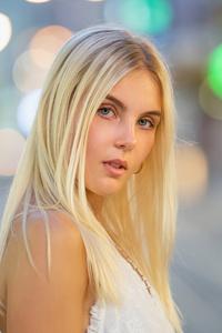 Blonde Hair Bokeh Effect 5k