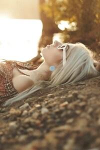 Blonde Outdoor