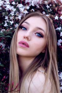 720x1280 Blue Eyes Blonde Girl Portrait