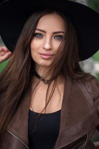 Blue Eyes Brunette Girl Depth Of Field