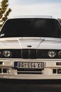 750x1334 BMW E30