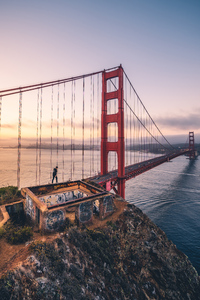 Boy Walking Over Golden Gate Bridge 4k