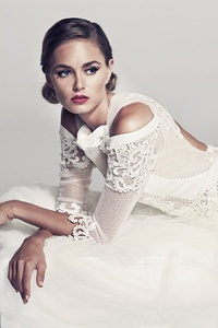 320x480 Bridal White Dress Model