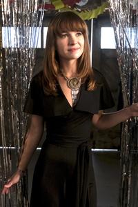 Britt Robertson In Girlboss Tv Series