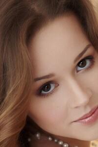 Brunette Brown Eyes