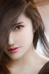 320x568 Brunette Girl Close Face