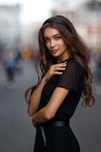 320x480 Brunette Girl Depth Of Field