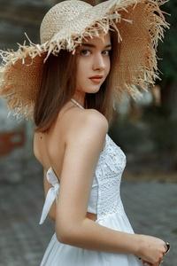 1080x1920 Brunette Girl In White Hat