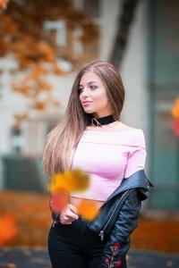 Brunette Model Looking Away Autumn Outdoors