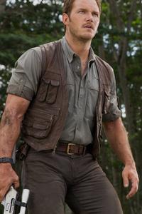 Bryce Dallas Howard And Chris Pratt In Jurassic World Fallen Kingdom
