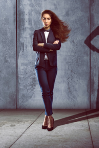 1125x2436 Business Woman Superhero