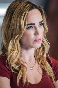 480x800 Caity Lotz In Legends Of Tomorrow 2018