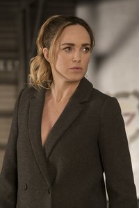 480x800 Caity Lotz In Legends Of Tomorrow Season 3