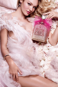 Candice Swanepoel Juicy Couture
