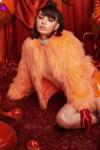 360x640 Charli Xcx New Press Picture 2018