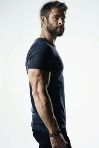 750x1334 Chris Hemsworth 5k