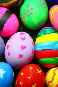240x320 Colorful Easter Eggs